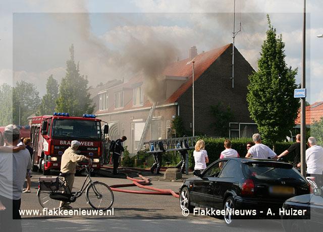 Foto behorende bij Middelbrand aan de Steneweg in Middelharnis