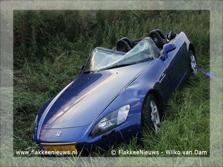 Foto behorende bij Auto naast de weg bij Dirksland