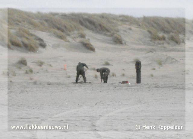 Foto behorende bij Engelse vliegtuigbom aangetroffen op strand Ouddorp