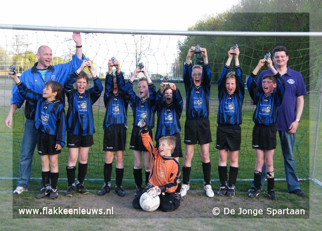 Foto behorende bij De Jonge Spartaan E-6, E-5 en E-4 zijn kampioen