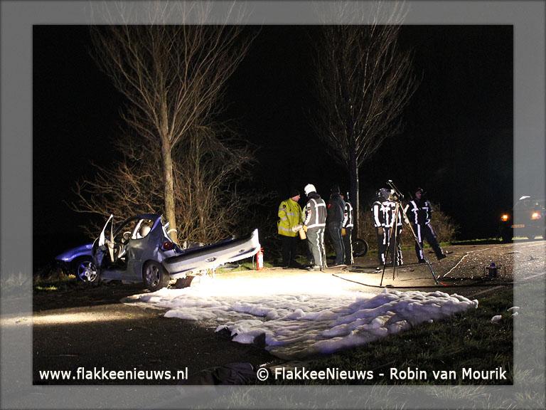 Foto behorende bij Auto door midden Oudelandsedijk Middelharnis