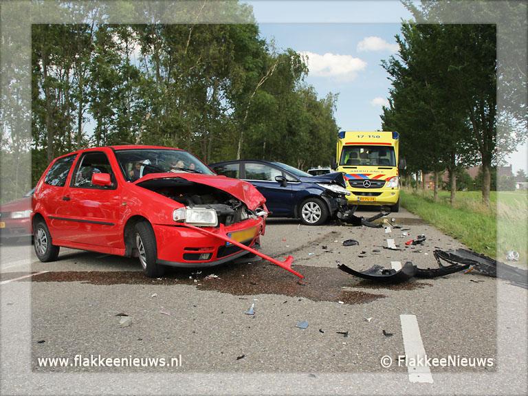 Foto behorende bij Aanrijding tussen twee personenwagens
