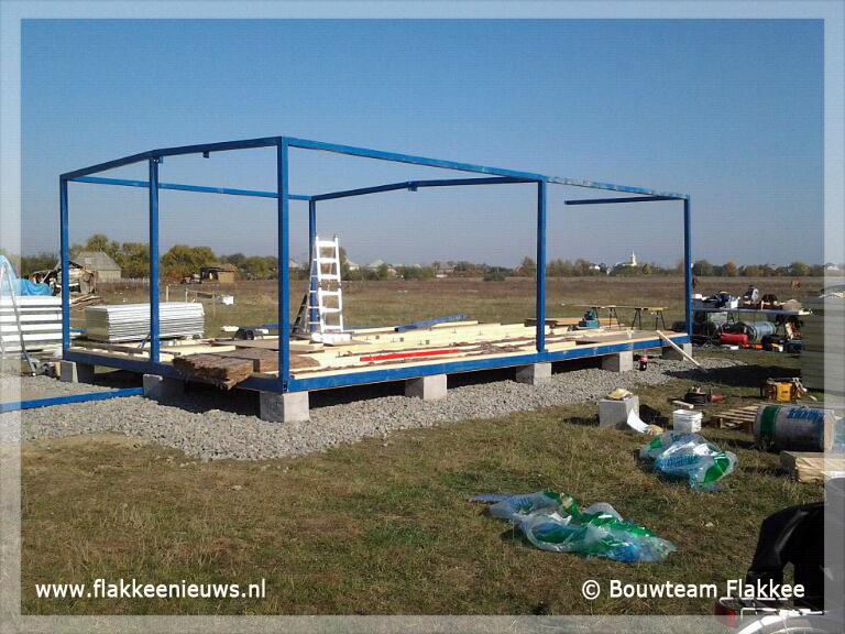 Foto behorende bij Bouwteam Flakkee plaatst twee Romaschooltjes