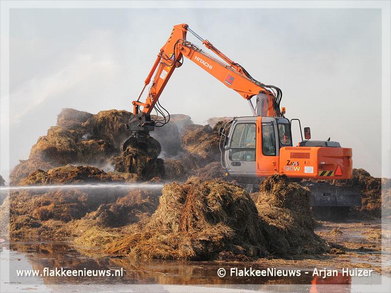 Foto behorende bij Hooibalen in brand bij Goedereede
