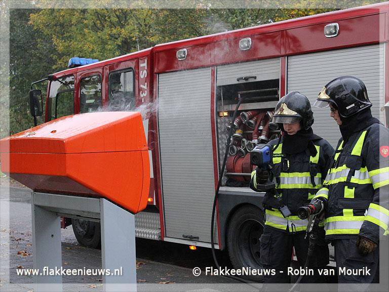 Foto behorende bij Postbus uitgebrand in Sommelsdijk