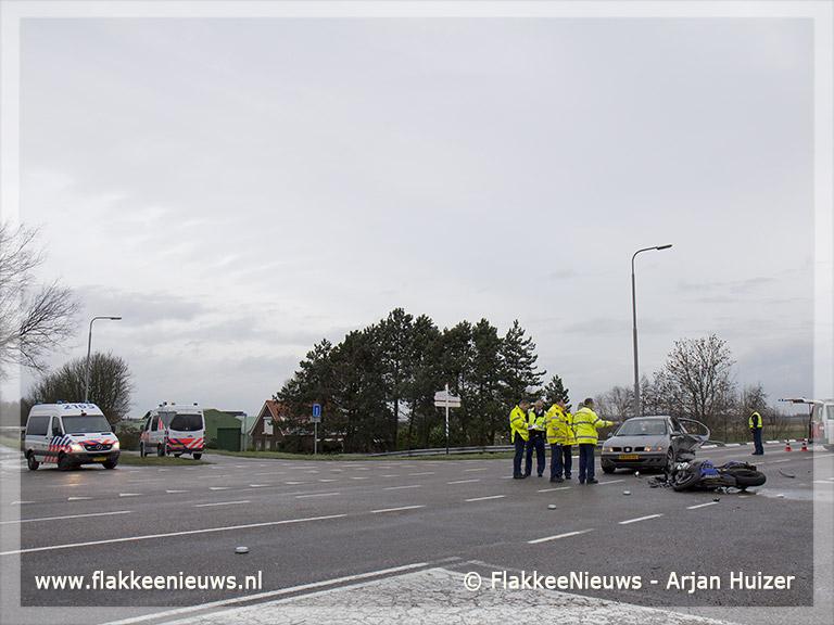 Foto behorende bij Motorrijder gewond bij aanrijding