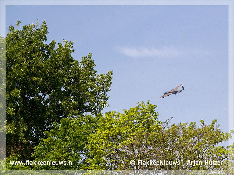 Foto behorende bij Bommenwerper uit WO2 vloog over Goeree-Overflakkee