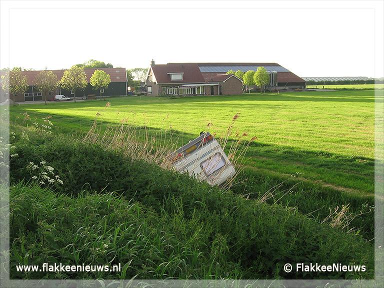 Foto behorende bij Caravan van de dijk bij Herkingen