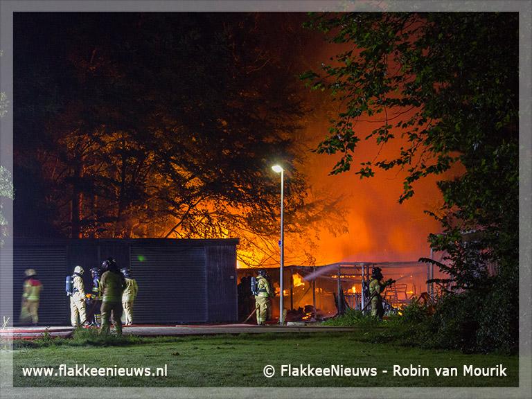 Foto behorende bij Grote brand bij Hernesseroord Middelharnis