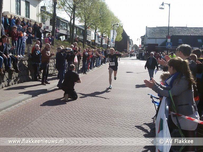Foto behorende bij Koningsdag Goeree-Overflakkee was gezellig druk