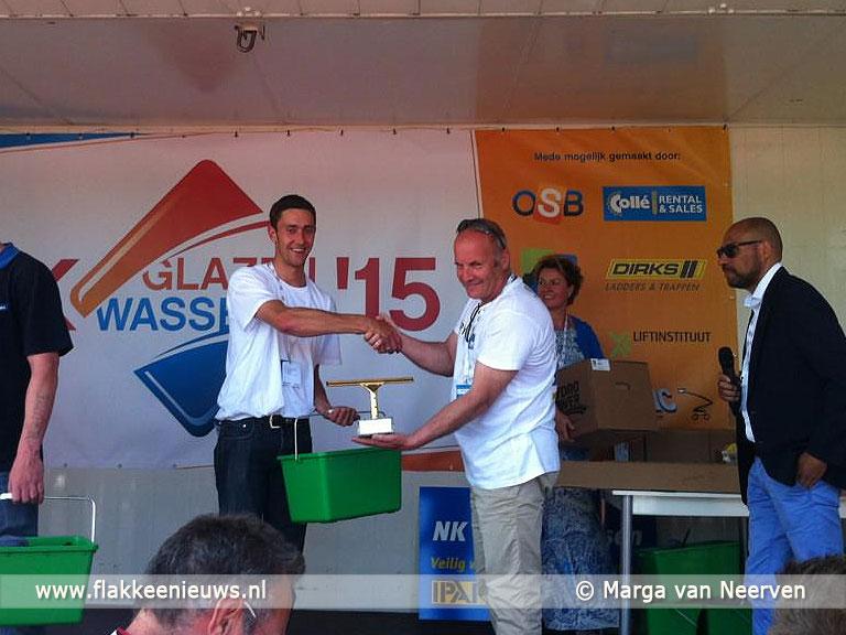 Foto behorende bij Sven van der Burgh wint NK Glazenwassen