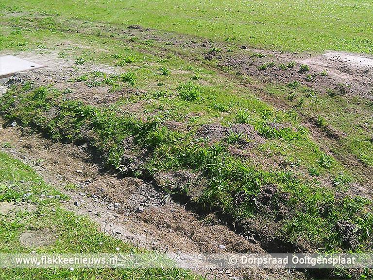 Foto behorende bij Strandje van Ooltgensplaat weer vernield, Dorpsraad wil maatregelen