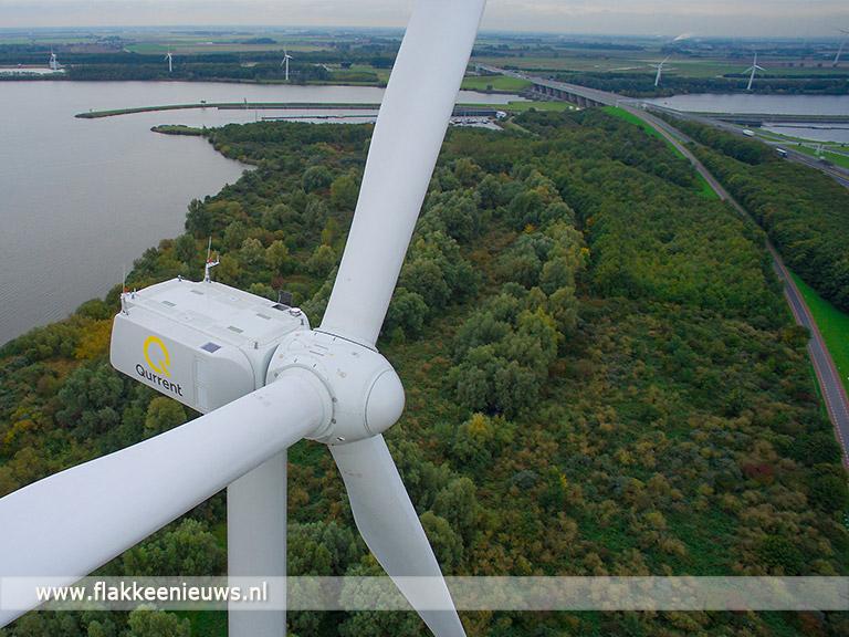 Foto behorende bij Leden Qurrent nemen windmolens Hellegatsplein in gebruik