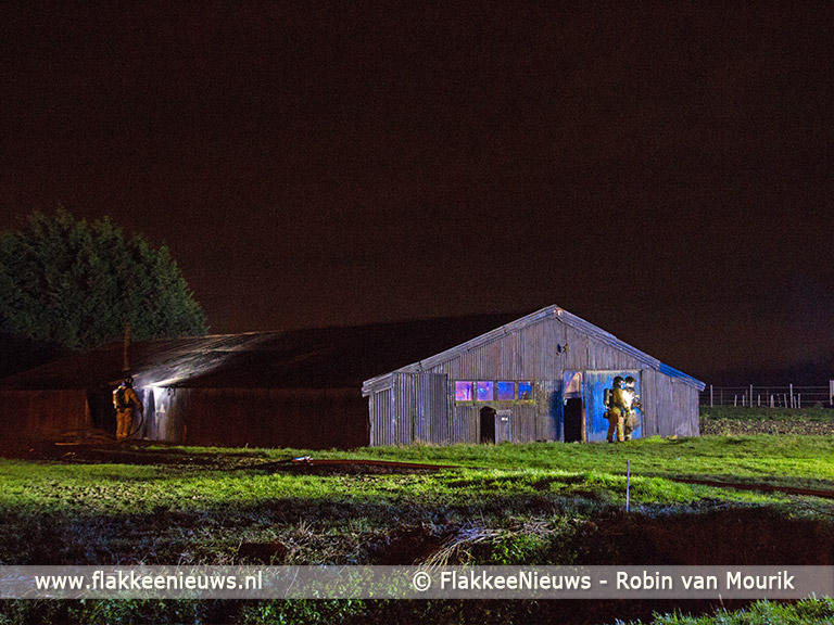 Foto behorende bij Schuur in brand bij Sommelsdijk