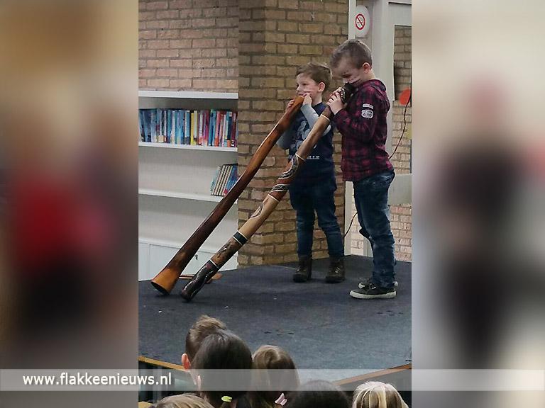 Foto behorende bij Kinderen wereldwijzer bij basisschool Buten de Poorte