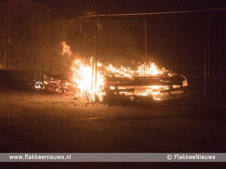 Foto behorende bij Bouwkeet afgebrand op industrieterrein Dirksland