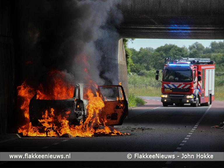 Foto behorende bij Brand op parallelweg Hellegatsplein