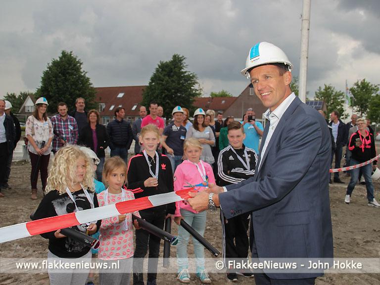 Foto behorende bij Feestelijke start fase 1 Lindenlaan Ooltgensplaat