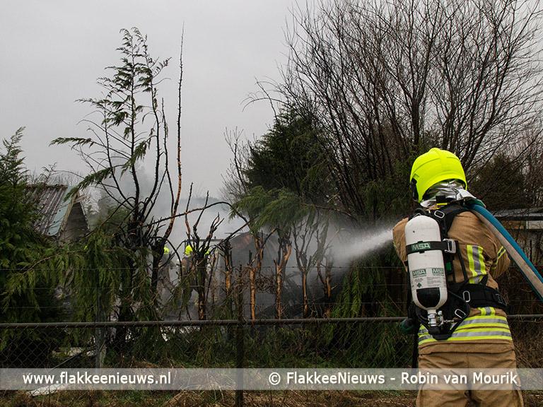 Foto behorende bij Schuur in brand op camping Oude-Tonge
