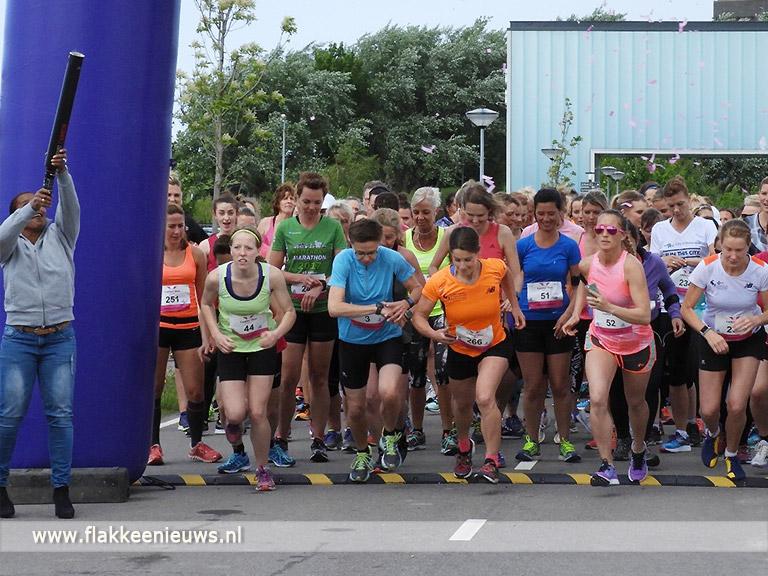Foto behorende bij Ladies run for charity haalt 2000 euro op