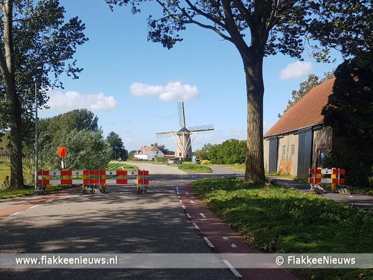Foto behorende bij Molendijk bij Den Bommel afgesloten voor verkeer
