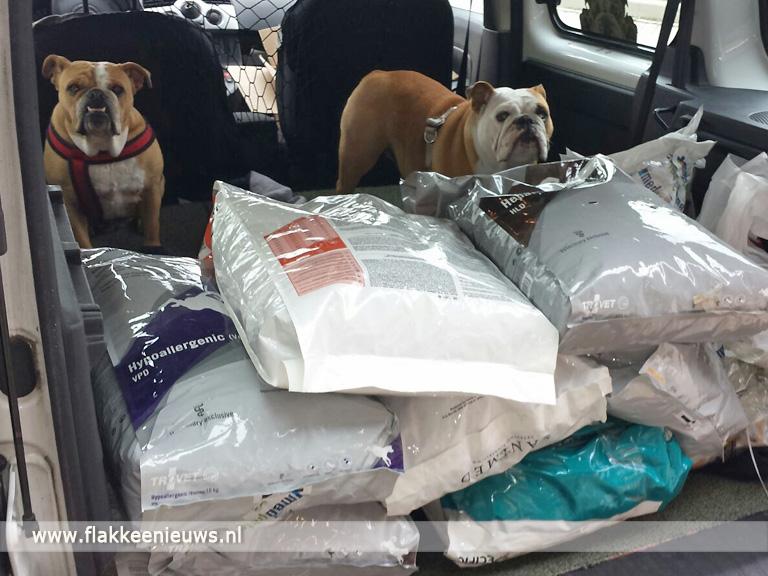 Foto behorende bij Einde in zicht voor hondenvoedselbank