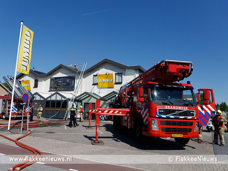 Foto behorende bij Uitslaande brand aan de Molenweg in Ouddorp