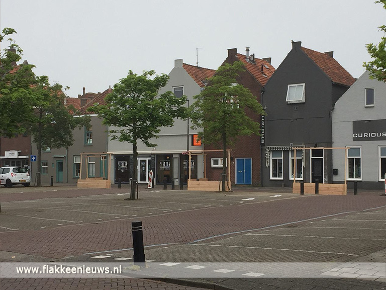 Foto behorende bij Nieuwstraat Middelharnis autovrij tijdens het seizoen