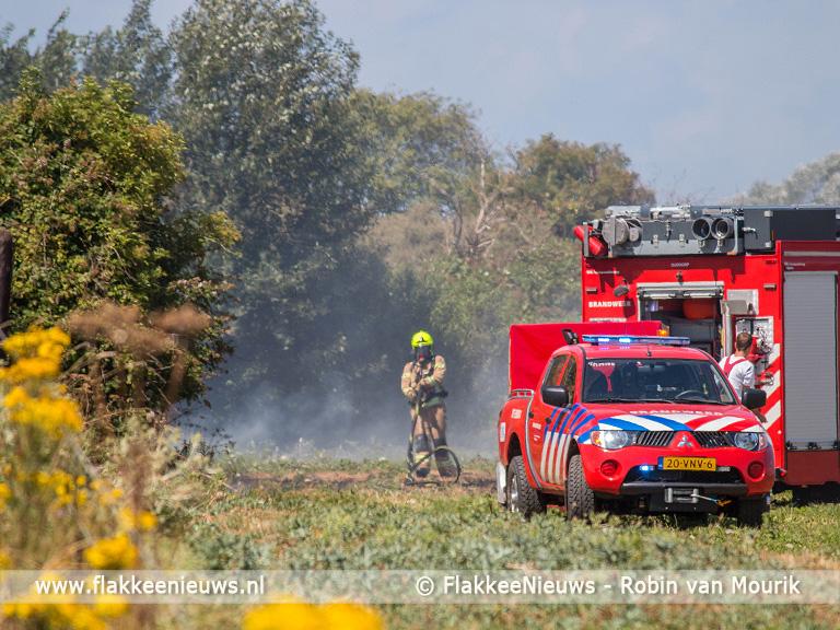 Foto behorende bij Brandweer Goeree-Overflakkee druk met natuurbranden
