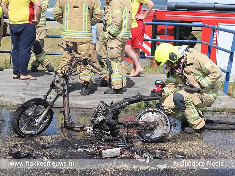 Foto behorende bij Brandweer rukt uit voor elektrische scooter