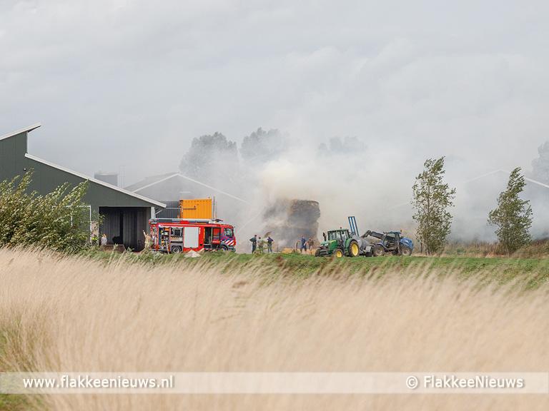Foto behorende bij Hooibalen in brand op erf Melissant