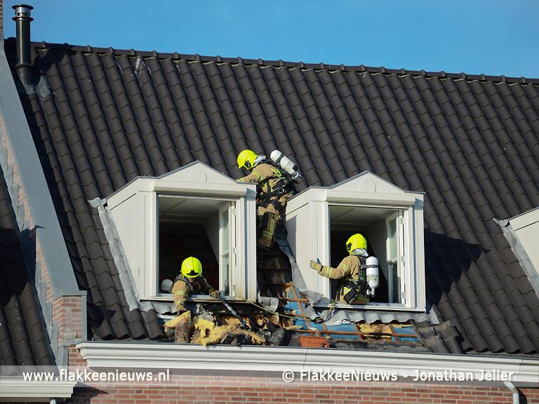 Foto behorende bij Brandweer rukt uit voor brand op zolder in Sommelsdijk