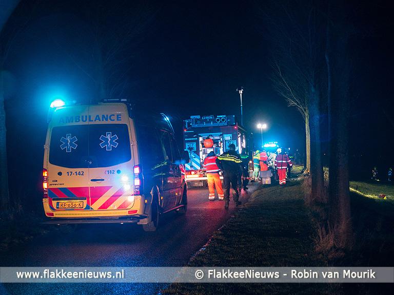 Foto behorende bij Persoon uit auto geslingerd bij ongeval Achthuizen