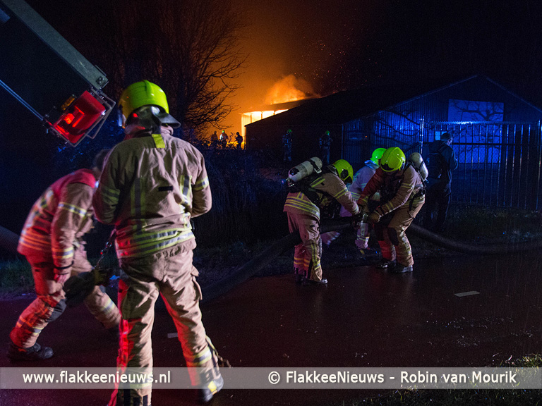 Foto behorende bij Caravans uitgebrand en zwaar beschadigd in Middelharnis