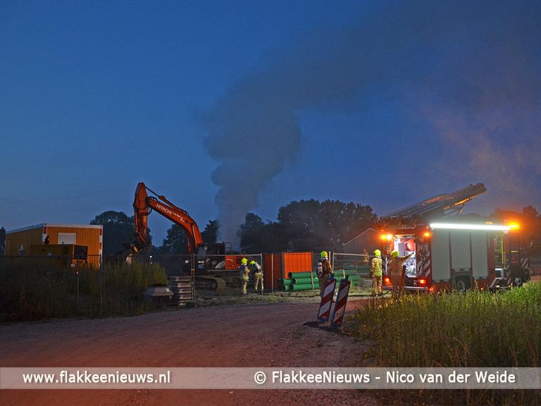 Foto behorende bij Brandweer rukt uit voor graafmachine in brand