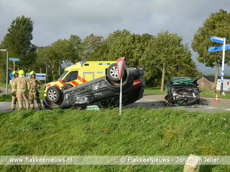 Foto behorende bij Twee voertuigen op elkaar bij Den Bommel