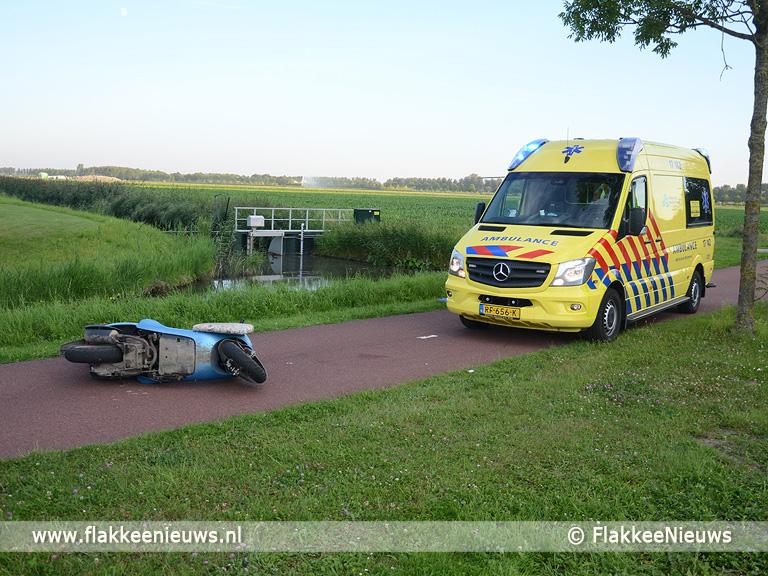 Foto behorende bij Tractor rijdt door na ongeval en traumaheli vliegt voor hoofdletsel