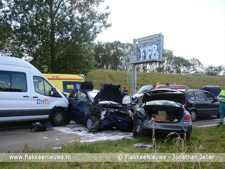 Foto behorende bij N57 nabij Goedereede afgesloten door ongeval