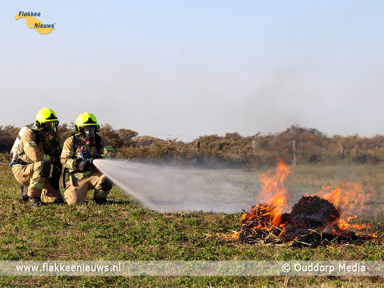 Foto behorende bij Brandweer oefent duinbrand-bestrijding in Ouddorp