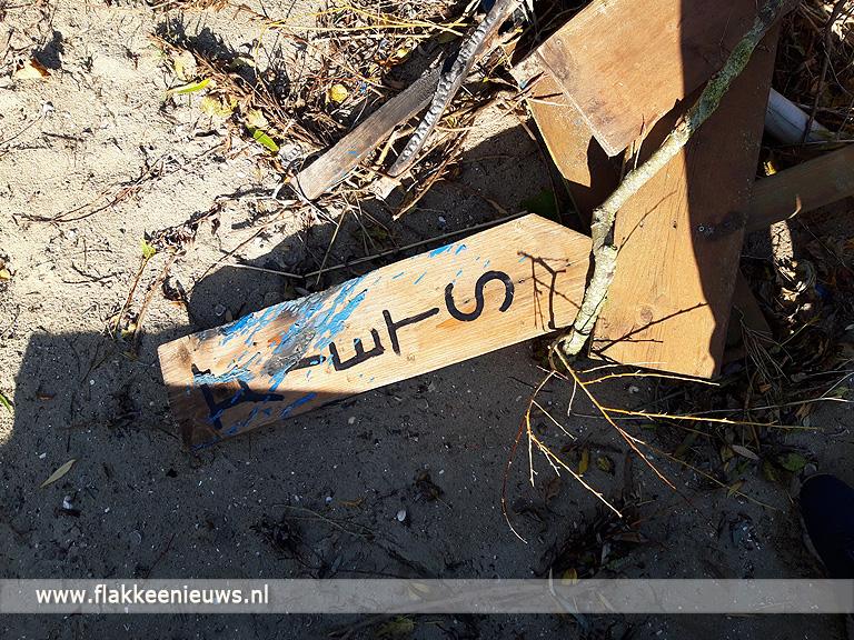 Foto behorende bij Vandalisme op strand Den Bommel