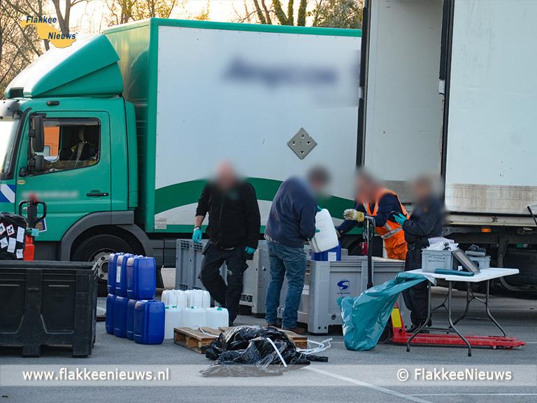 Foto behorende bij Gespecialiseerd brandweerteam naar Ooltgensplaat voor gevaarlijke stoffen