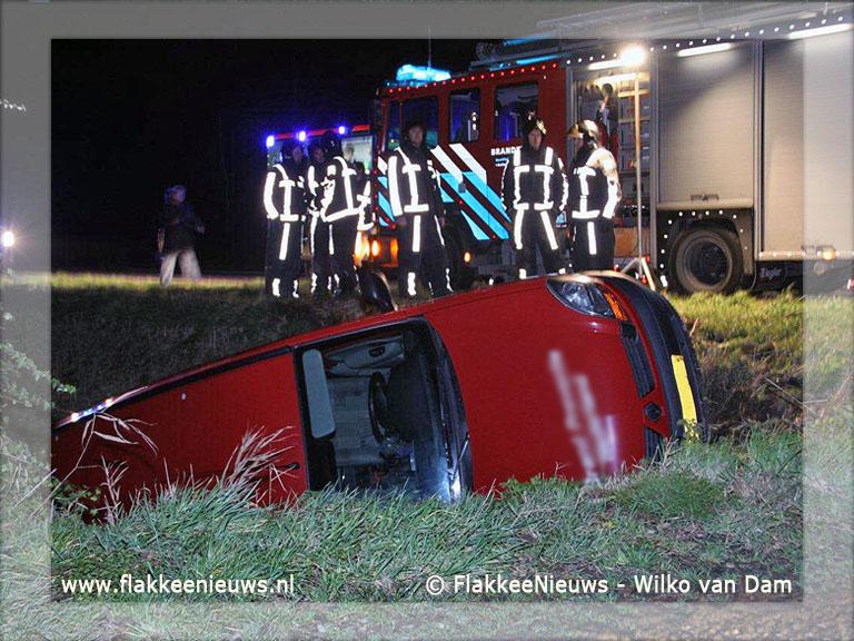 Foto behorende bij Bestelwagen van de weg bij Ooltgensplaat