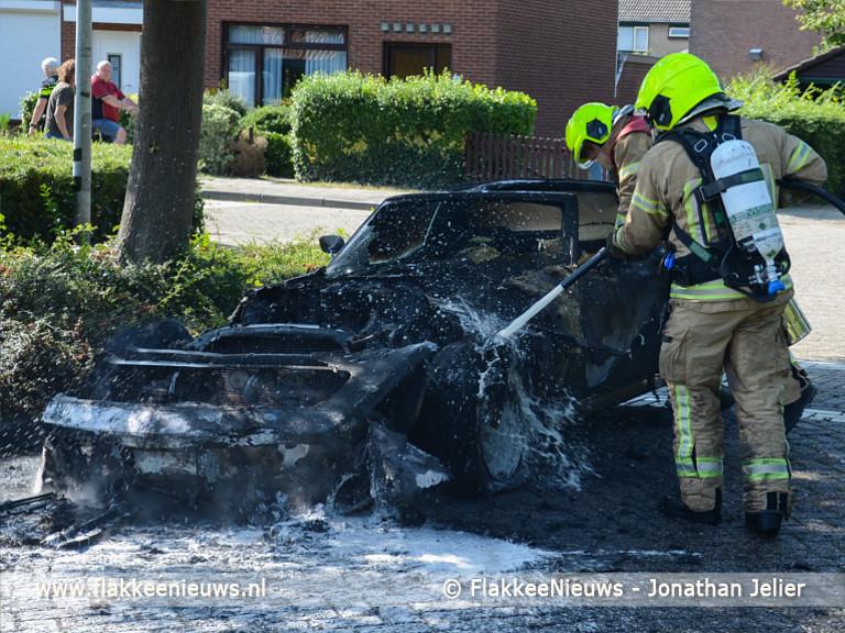 Foto behorende bij Recent opgeknapte Oldtimer in vlammen op