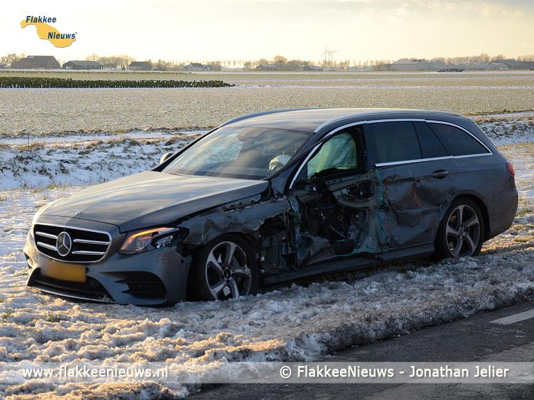 Foto behorende bij Ongeval met personenauto en vrachtwagen