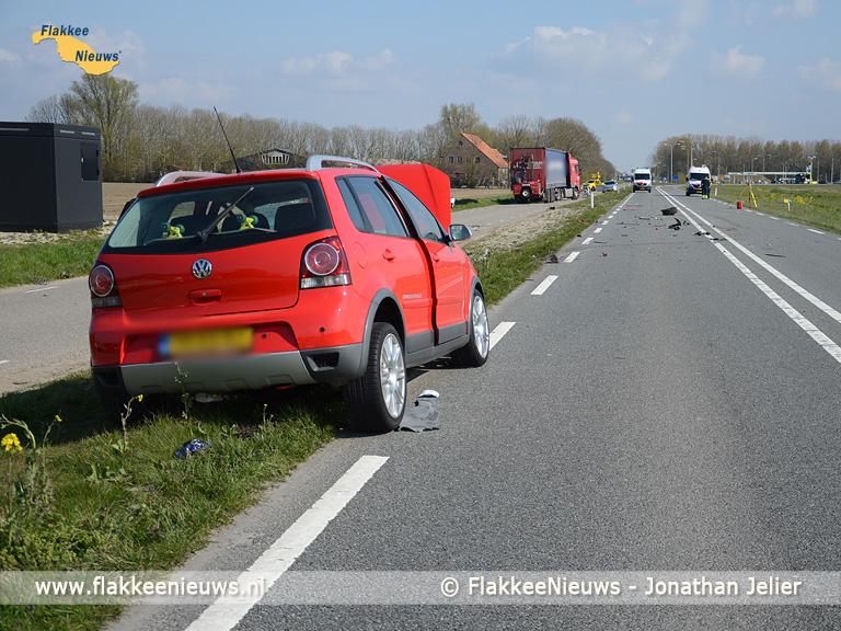 Foto behorende bij Frontale aanrijding op de N215 nabij Oude-Tonge