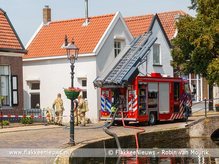 Foto behorende bij Tuinhuis in brand in Dirksland