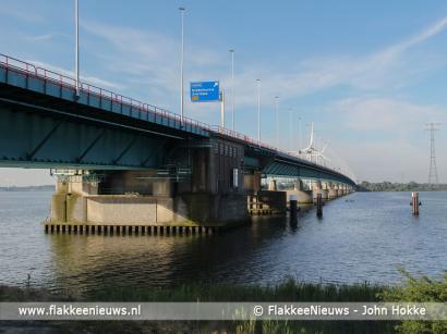 Foto behorende bij Frustratie bij weer een storing Haringvlietbrug