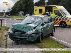 Foto behorende bij Twee voertuigen op elkaar bij Nieuwe-Tonge